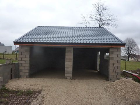 Couverture de garage en tôles imitation tuiles